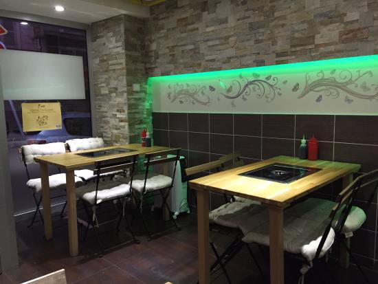 Salle principale du restaurant OPPA